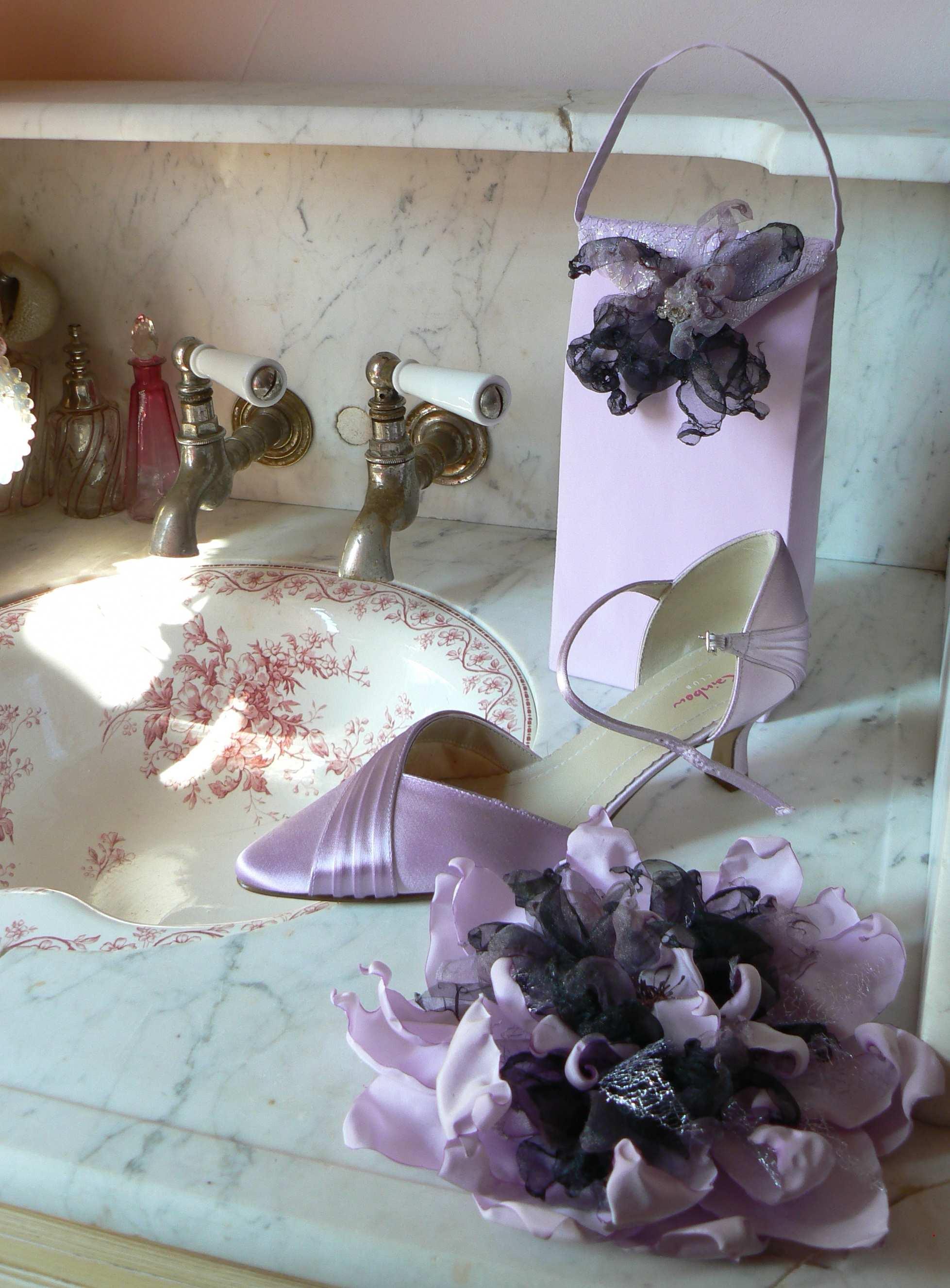 fleur parme et noire sac et chaussure parme marjorie g création accessoire mariage vendée robe de mariée